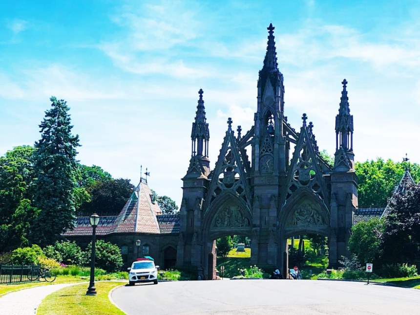 Alternative new york green-wood cemetery